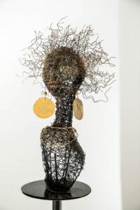 אינגריד נוימן דמויות נשיות, בקליעת חוטי מתכת דמות גובה 50 סמ' 052-8894950 ingrid.noiman@gmail.com
